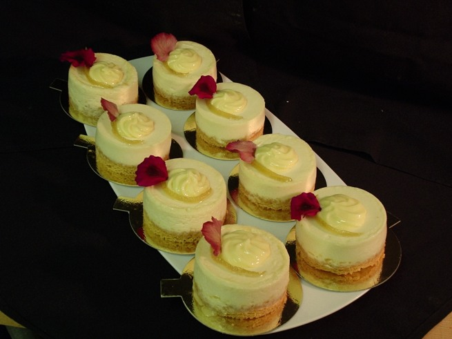 Individual Lemon Cheesecakes