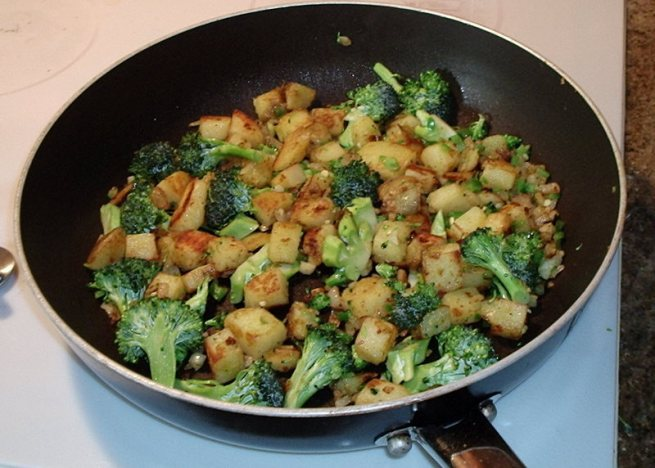 potato-onion-jalapeno-garlic-broccoli1