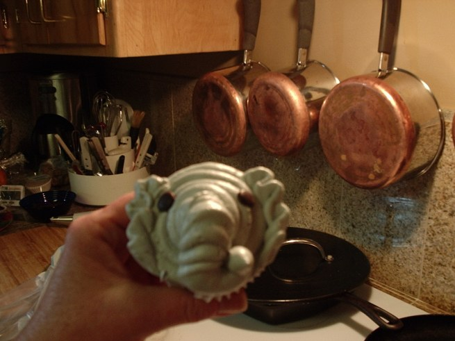 There it is, your first elephant cupcake!